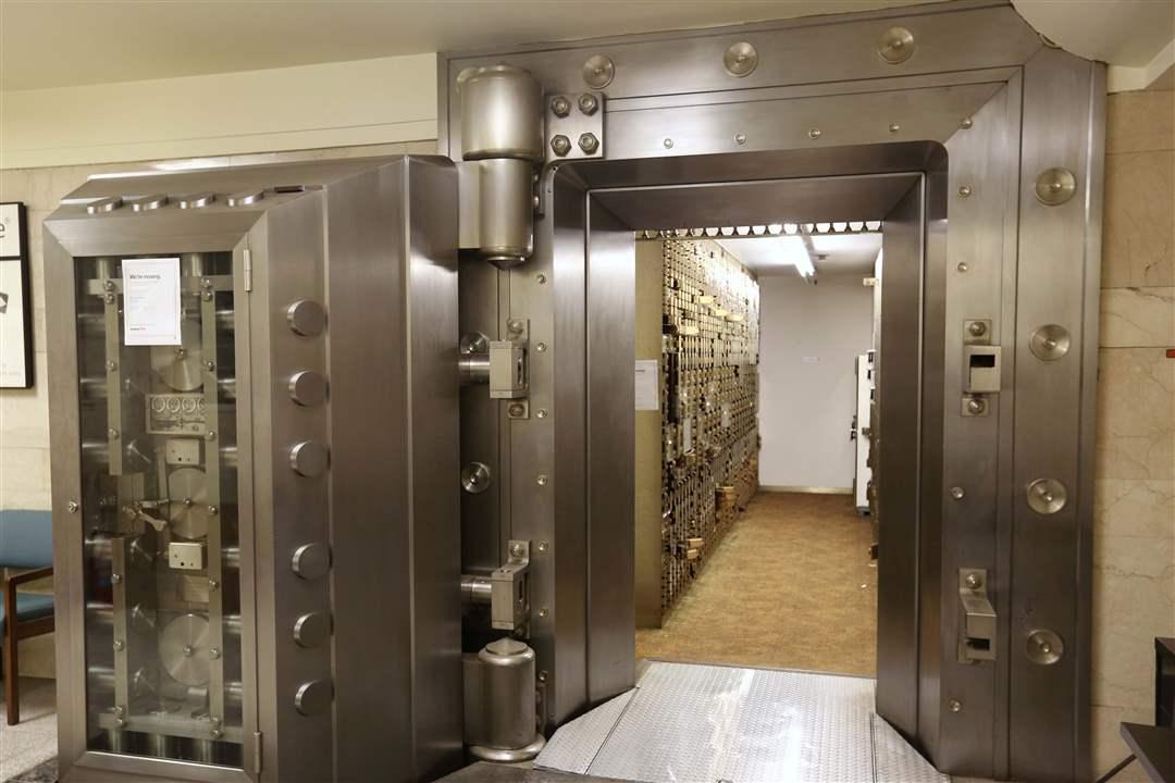 Изготовление сейфов и защитного банковского оборудования в Москве
