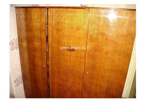 Старая мебель,Окна и Двери отдам Даром